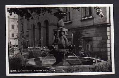 111107 AK Goldbeg Schlesien Fotokarte 1940 Brunnen am Rathaus