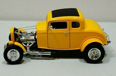 '32 Ford Deuce Coupe 1:18 Die Cast ERTL American Graffiti Yellow Hot Rod 32 Ford Coupe Hot Rod