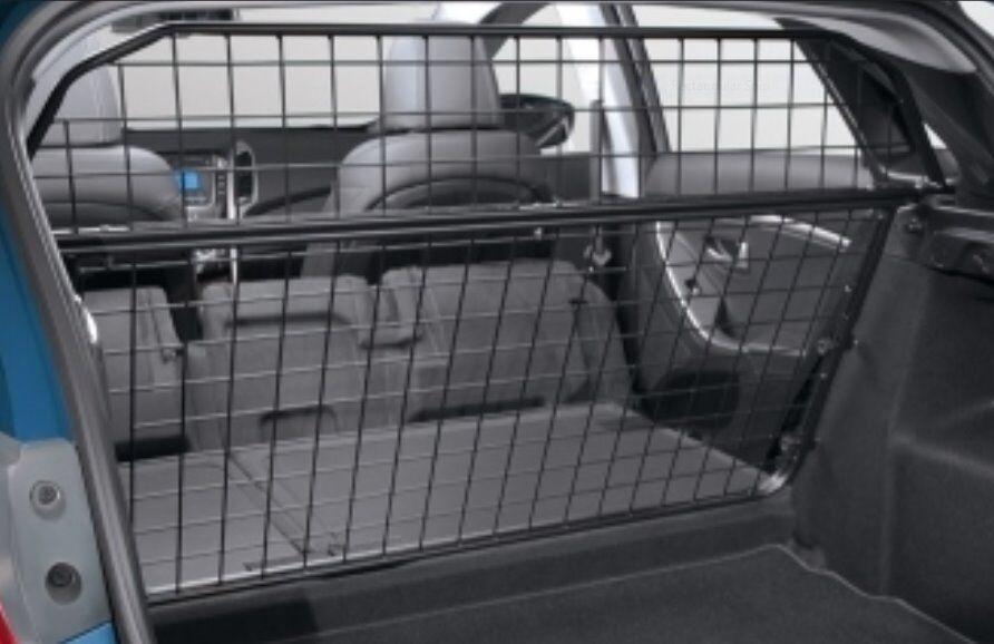 Genuine Hyundai i30 Complete 2 part Dog Guard,Fits 5 Door Hatchback model From 2013 Onwards