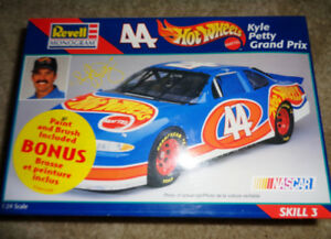 Kyle Petty Hotwheels Pontiac Grand Prix Plastic Model Kit