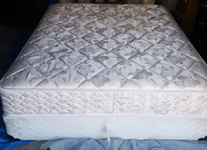 Queen mattress and box spring