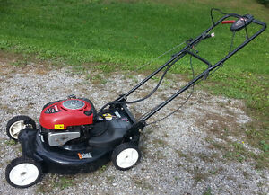 Craftsman Self propelled 21' Mulching Mower with Electric Start Peterborough Peterborough Area image 2