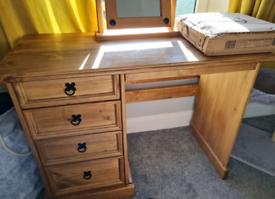 For sale: Corona Dressing table/make up table set