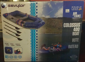 Colossus 4 person paddleboat