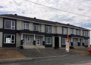 St-Charles | Maisons en rangée cottage 2 étages à vendre