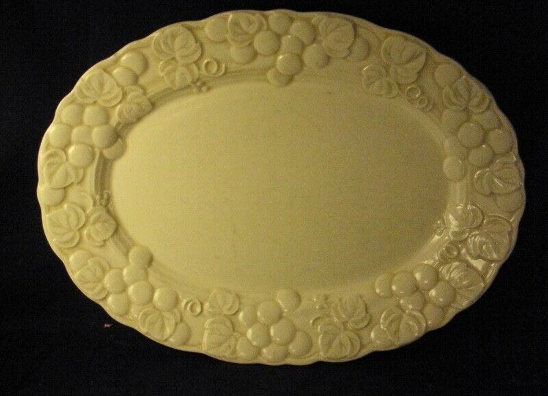 Metlox Antique Grape Oval Platter 9 X 12 Beige Poppytrail - $14.99