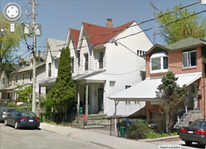 Three Bed Victorian Townhome  Queen Broadview, Toronto
