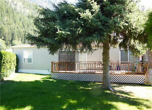 TAPPEN - Spacious, semi-waterfront newer mobile home