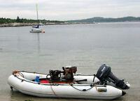 Bateau pneumatique avec moteur Yamaha 15 hp et remorque