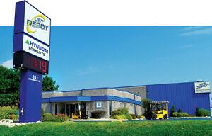 HOIST Large Capacity Indoor Tire Forklift Rental