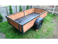 8ft x 4ft Trailer With Wood Board. Great Condition.