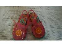 Size 6 jelly shoes as new