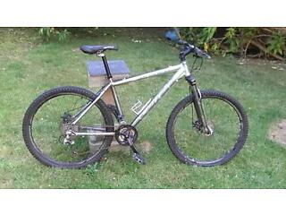 Carrera karken 27 gear 18 inch mountain bike
