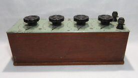 Vintage Resistance Box In good Working Order - Croydon Precision Instrument Company