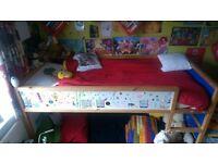 Children's Bunk bed - IKEA KURA Reversible bed (White/pine)