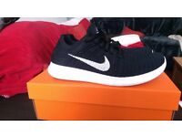 Nike free flynit trainers size 8uk