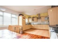 Lewisham SE13. Newly Redecorated Light, Modern & Spacious 3-4 Bed Furnished House with Garden