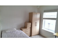 Double room to rent in Hanley, mid-terraced house
