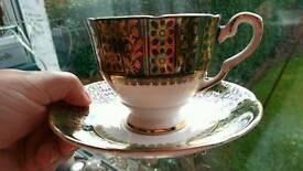 Stunning 19 piece china teaset