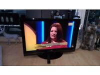 LG 42 INCH FULL HD LCD TV WITH BUILT IN FREEVIEW AND USB.
