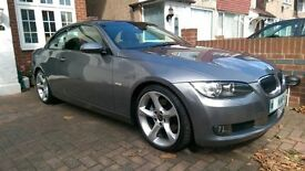 Lovely BMW 325i SE convertible very low miles under full warranty red leather
