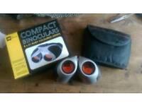 AA Compact binoculars