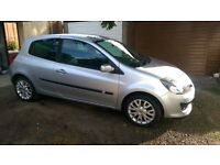 Renault Clio 1.4 Dynamique S 2007 only 75,000 miles, in great condition, ideal first car