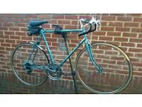 "Classic Luxux Racer Bike 28"" Wheels 23"" Frame"