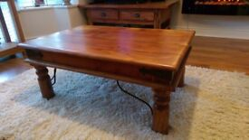 Coffee table, solid acacia wood, good condition