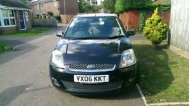 FORD FIESTA 1.4 GHIA 5 DOOR HATCHBACK, FACELIFT MODEL, 1 YEARS MOT, FSH, DRIVES WITHOUT FAULT.