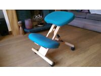 Kneeling chair, ergonomic, wooden.