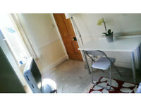 Central kings heath, comfy houseshare bills included, cosy room, newly decorated