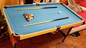 Majestic 4.5ft x 2.5ft Kid's Pool Table + Pool Balls + Cues £45 ONO [[QUICK SALE]]