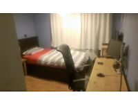 Single room to rent in Stockport - ALL BILLS INCLUDED. Close to major transport links.