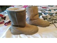 womans cream ugg boots size 7