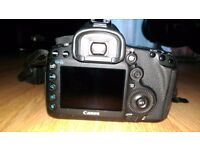 Canon 5d mark iii DSLR camera body very good condition battery charger front cap shoulder traf