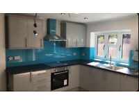 3/4 Bedroom Newly Refurbished Modern House in Manor Park, 2 Shower rooms and Toilets