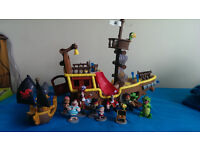 Jake and The Neverland Pirates Bucky Ship, The Jolly Roger Ship and crew figures