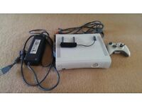 Xbox 360 Pro 60 GB + Wireless controller + Wireless adapter + cabling