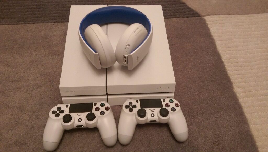 PS4 - 500GB White w/box, Two white controllers, Sony Wireless Stereo Headset 2.0