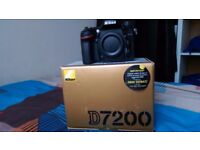 Nikon D7200 DSLR camera body only come whit battery charger shoulder trap box condition new
