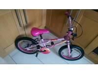Apollo Roxie girls bike
