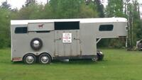 ***REDUCED PRICE!!     24' horse trailer. Holds 4 horses.