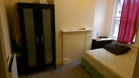 Double room to rent in upton park