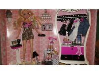 BARBIE MY SCENE GETTING READY PLAYSET WITH ARMOIRE and ACCESSORIES. NEW