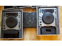 Pair Pioneer of CDJ-800s plus flight cases and Numark M2 mixer