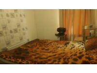 Double room to rent in preston close to shops bus station