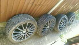 4 225/40/R18 tyres with alloys