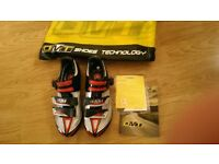 DMT Womes Cycling Shoes size 7 - like new MBT cletes