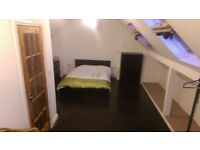 Very Large Double Room with En Suite, WiFi Cleaner